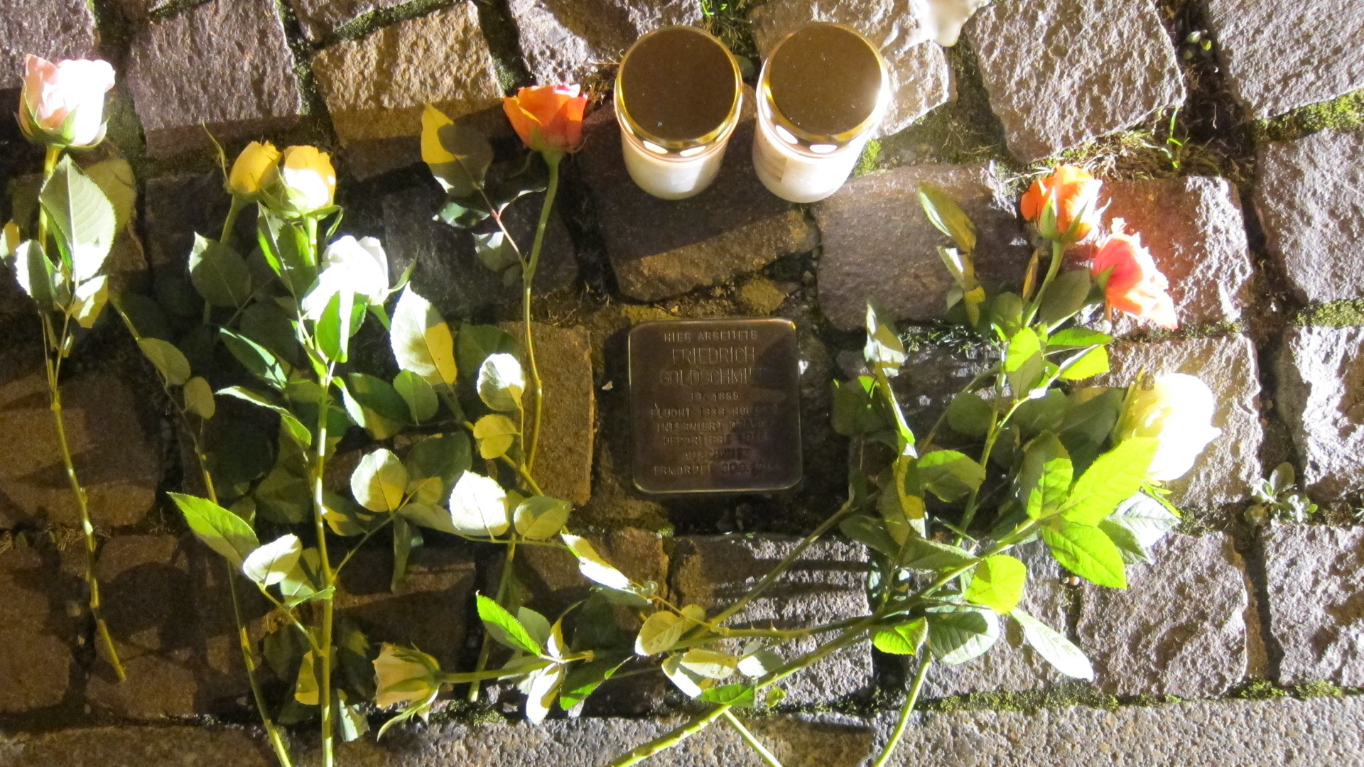 Stolpersteine putzen und Friedensgebet