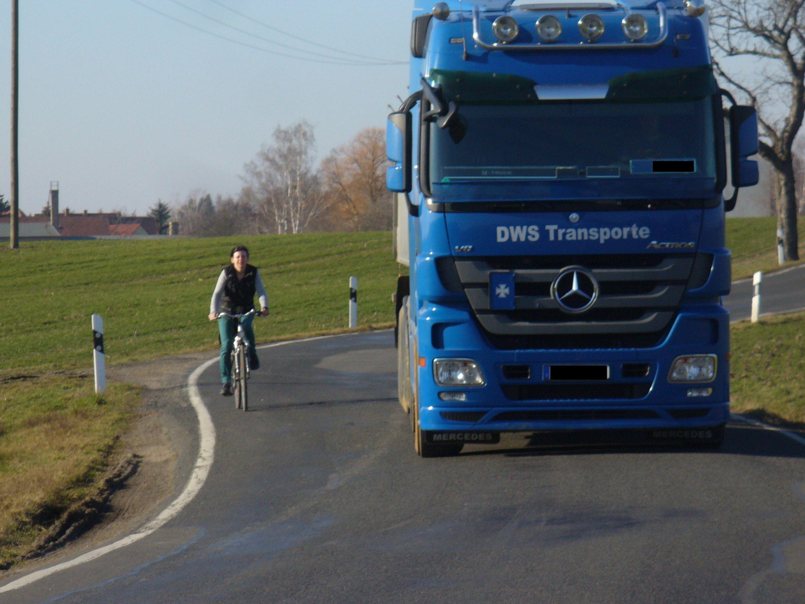 Überholen auf der S42 – Lkw-Fahrern droht Fahrverbot